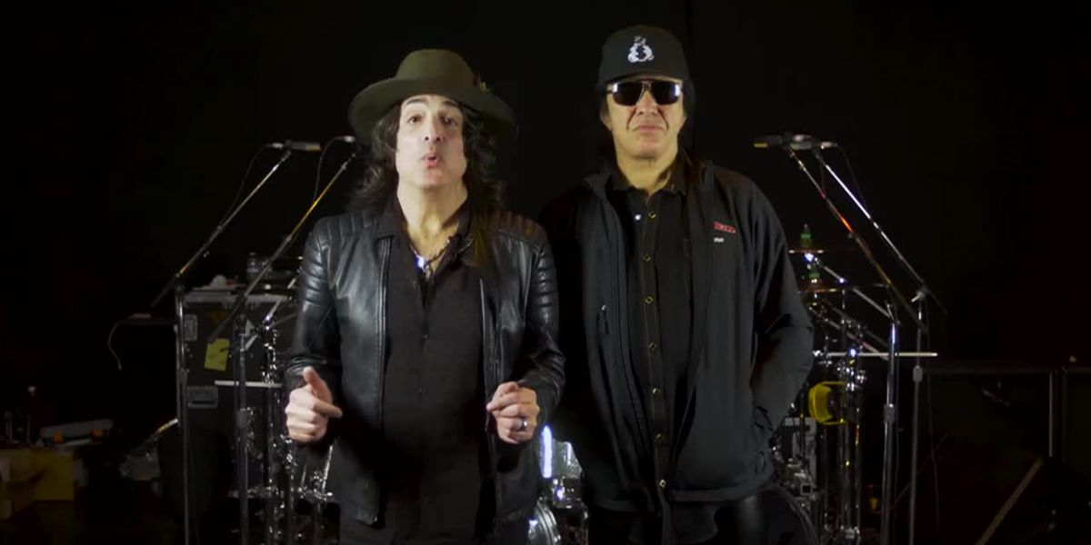 Gene Simmons & Paul Stanley announced they will give free meals to TSA employees