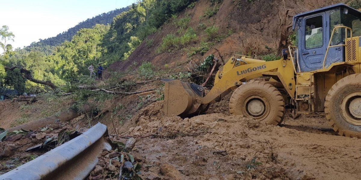 Typhoon, landslides leave 35 dead, dozens missing in Vietnam