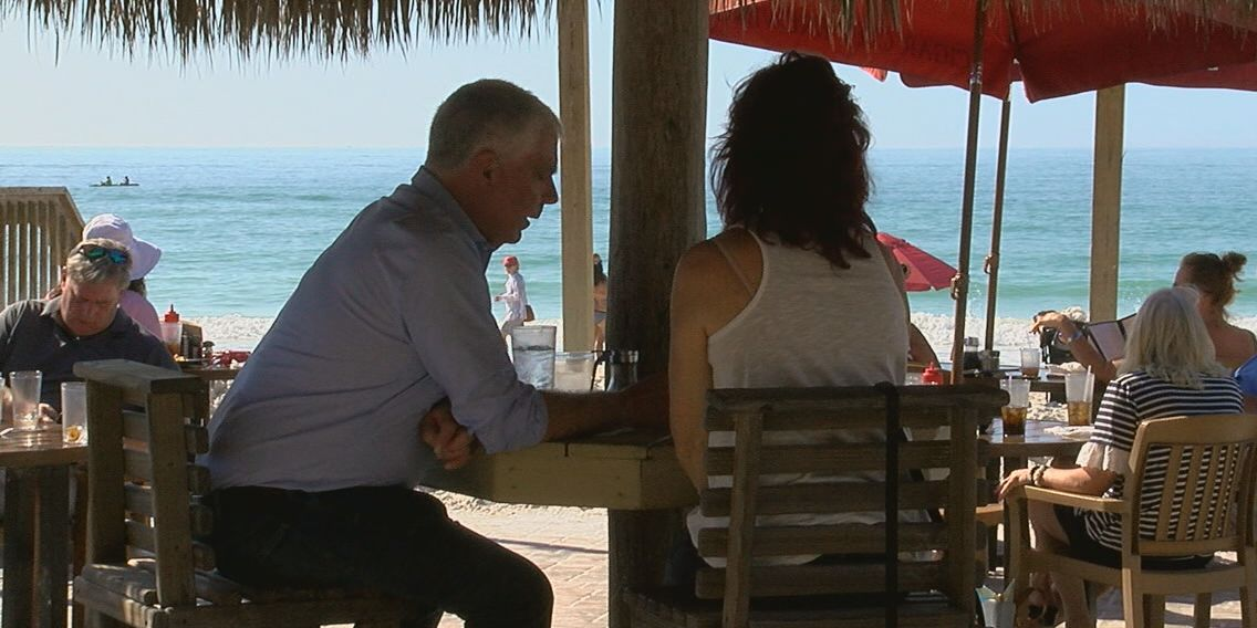 Business is booming for local restaurants after red tide clears up at beaches