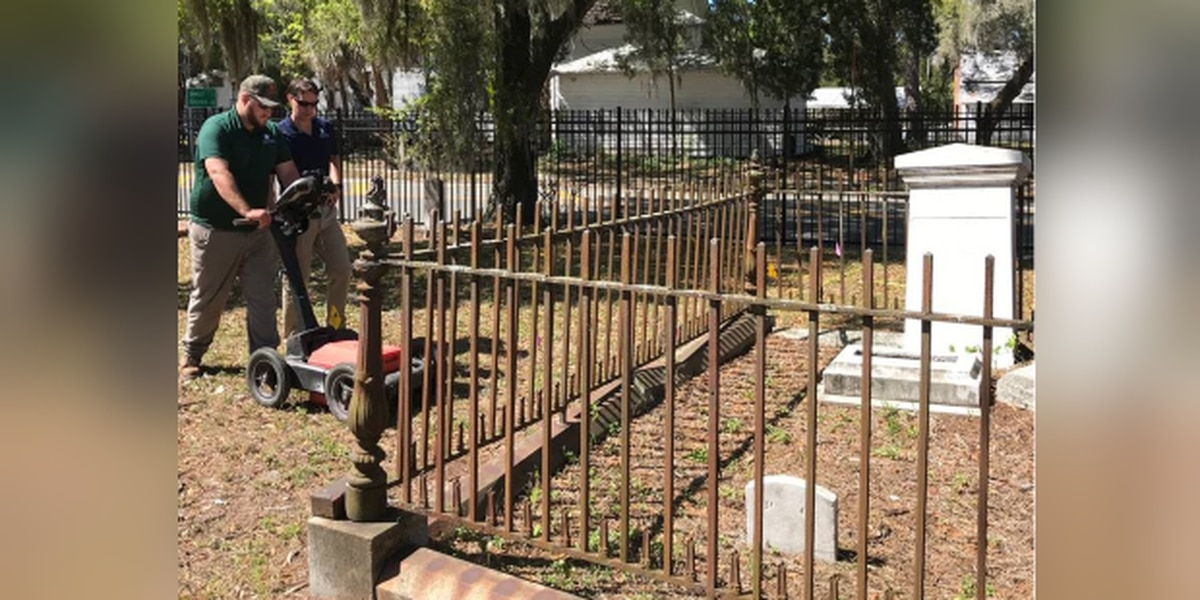 Radar being used to uncover the number of graves at 1850 Manatee Burying Grounds