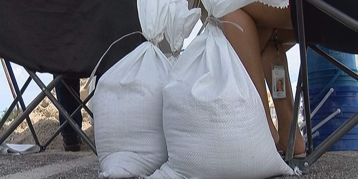 Manatee County offers free sandbags to residents as Hurricane Michael heads up the Gulf