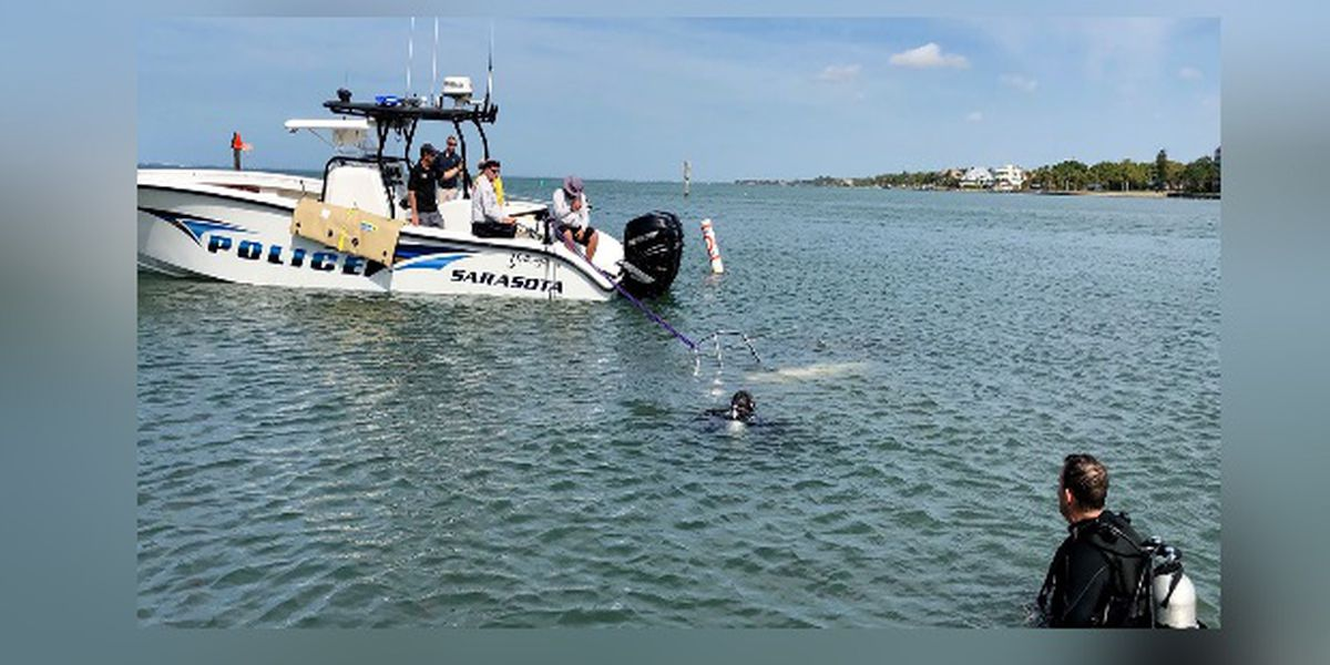 Sarasota Police remove a 1974 sailboat from the bay