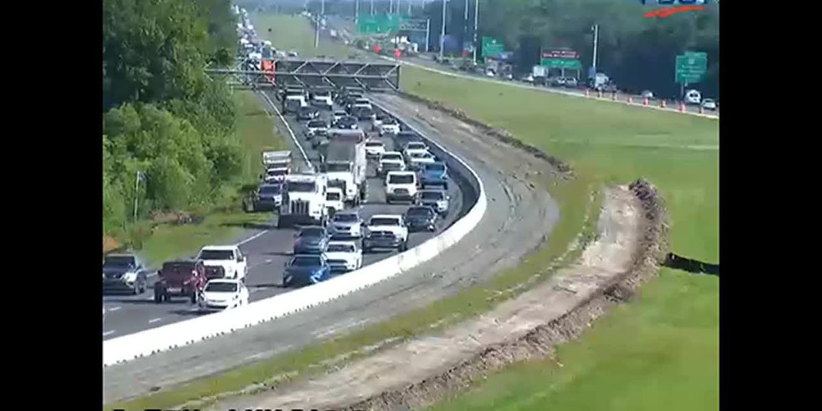 Accident causes southbound congestion on I-75 at SR70