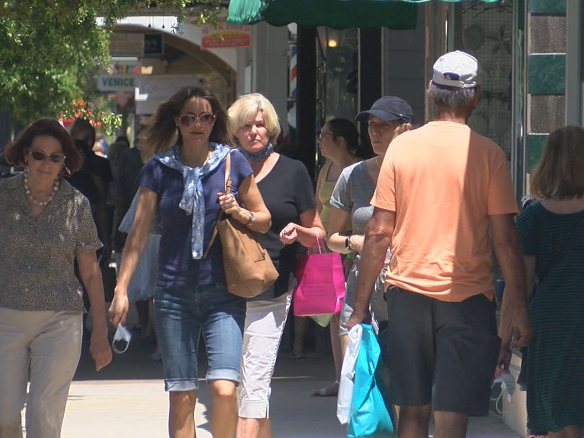 More Suncoast residents ditching masks following new recommendations from the CDC, many businesses giving their customers options