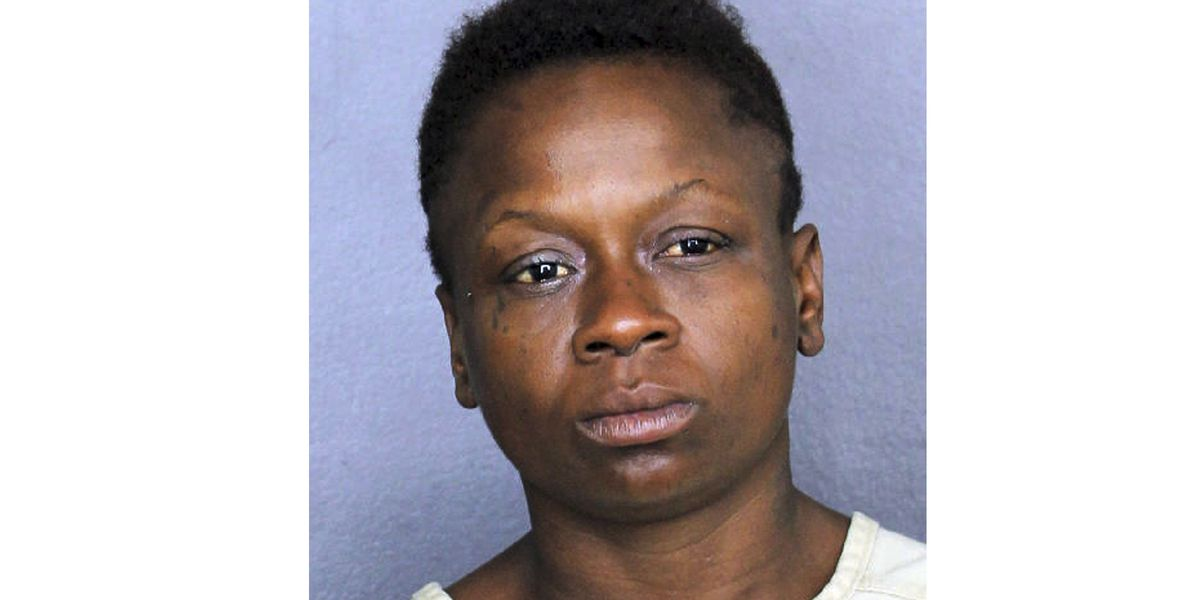 Officials: Woman passes gas, pulls knife on offended man