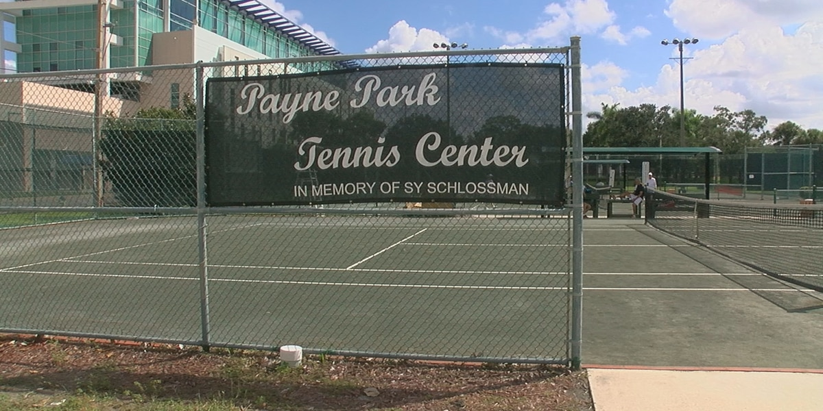 Free tennis and swimming as city of Sarasota finishes installing computer software during transition