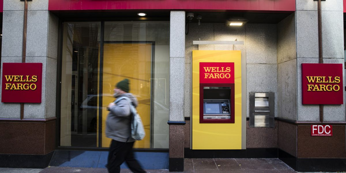 Wells Fargo Woes Continue; Employees Report Paychecks Not Deposited