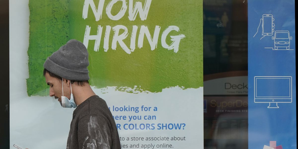 US unemployment claims drop to 473,000, a new pandemic low