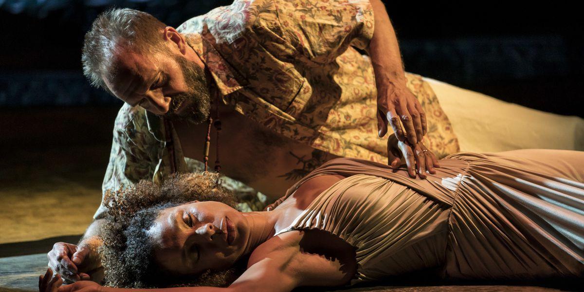 Ralph Fiennes, Sophie Okonedo spar in 'Antony and Cleopatra'