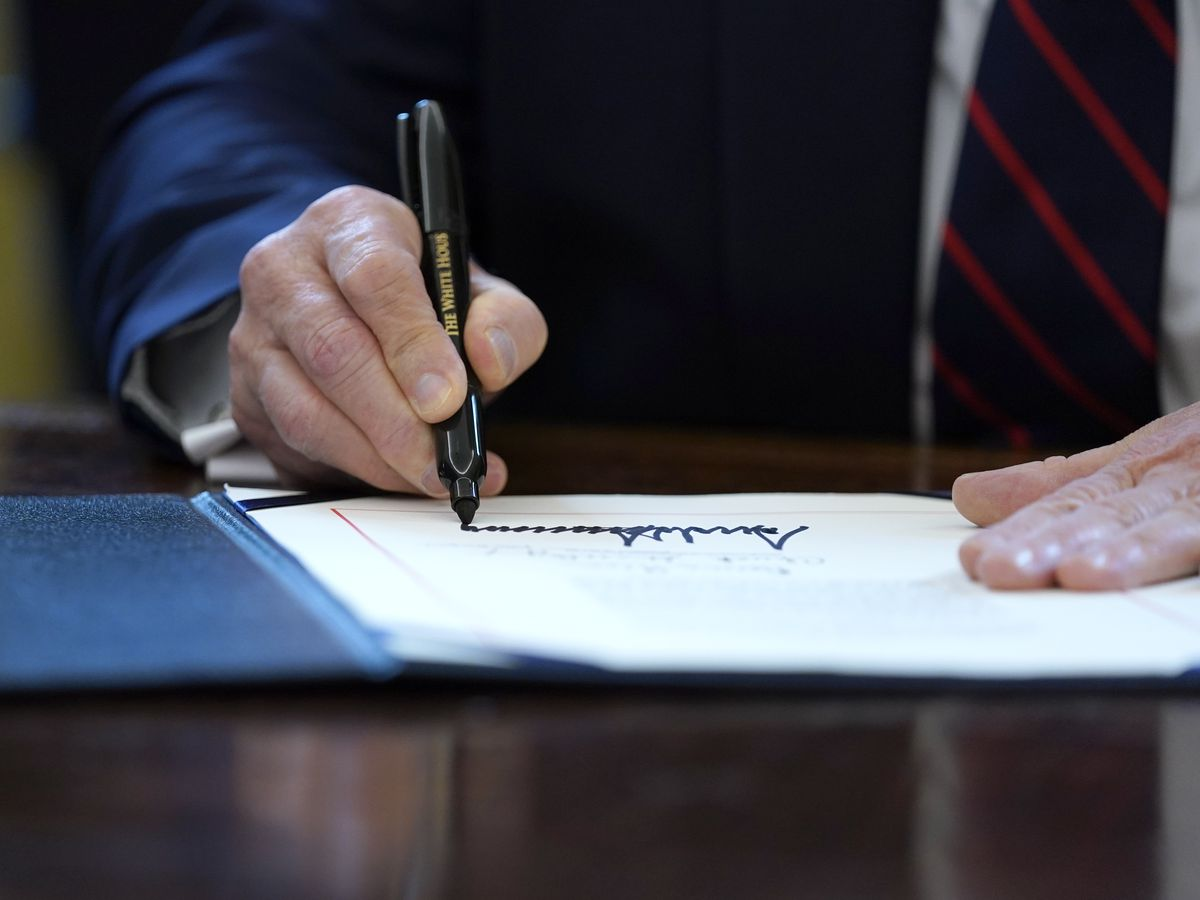 Highlights of Trump-signed $2.2T economic relief package