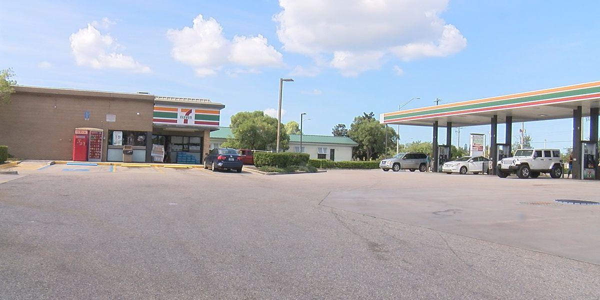 Skimmers found at Bradenton gas station