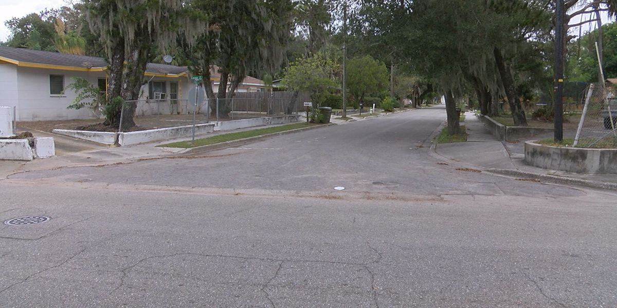 Student arrested following knife attack against another student on a Sarasota County school bus