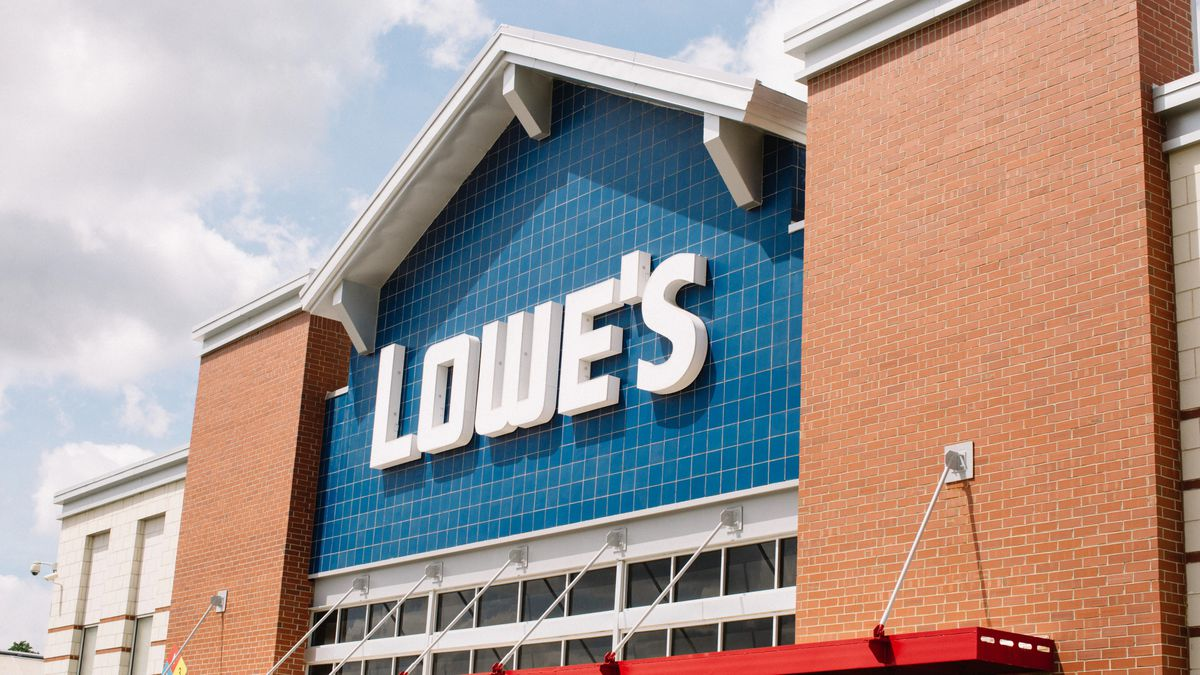 Lowe S Announces Another Round Of Bonuses For Hourly Employees