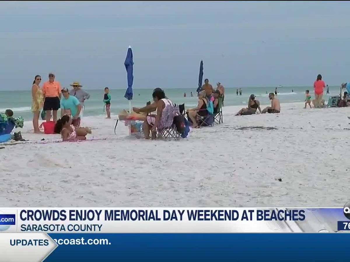 Memorial Day weekend draws crowds to Suncoast beaches