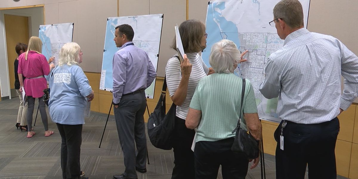 Sarasota County residents finding out about redistricting and giving public input during open houses