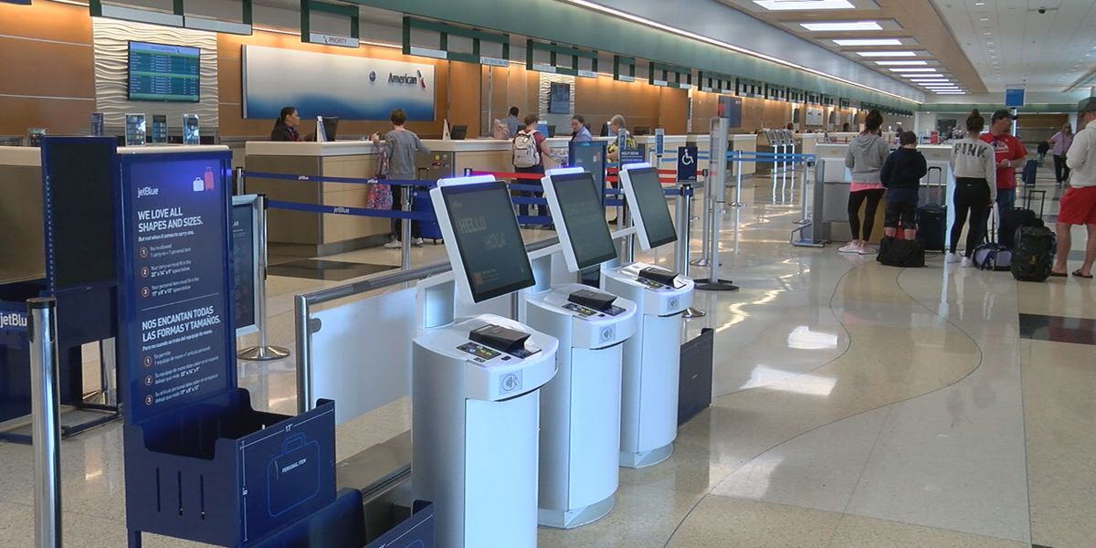 SRQ reports a decrease of travelers due to COVID-19