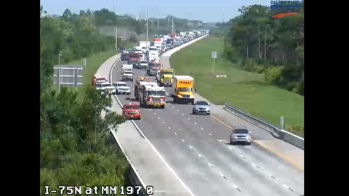 Crash on I-75 North at milemarker 197 closes multiple lanes