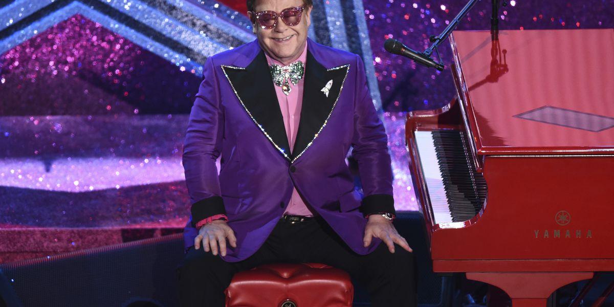 Elton John postpones 'Farewell Yellow Brick Road' dates