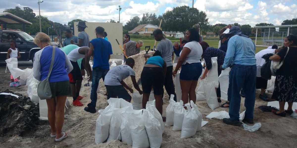 Potential storm surge prompts officials to make sandbags available in Manatee County