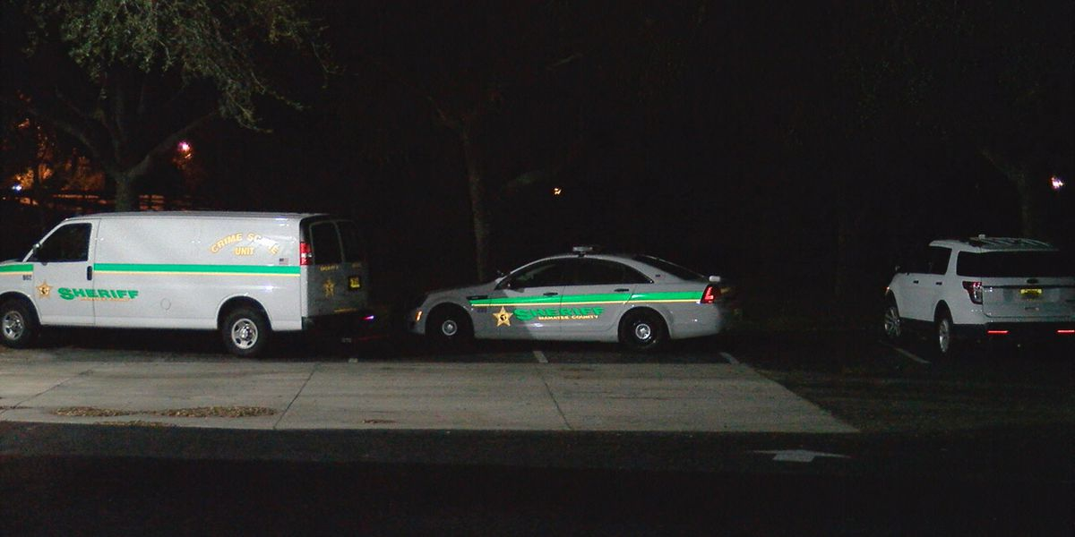 Deputies wound suspect after he fires weapon at them in Manatee County