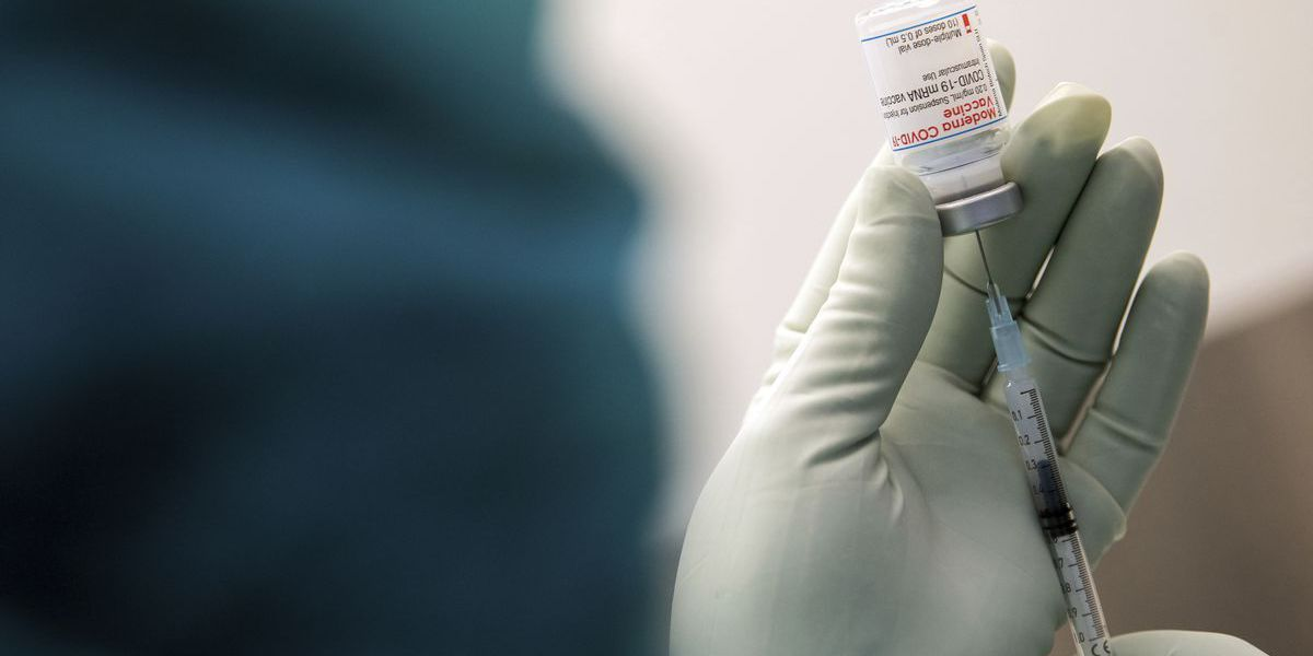 Polk County paramedic arrested for allegedly stealing vials of the COVID-19 vaccine