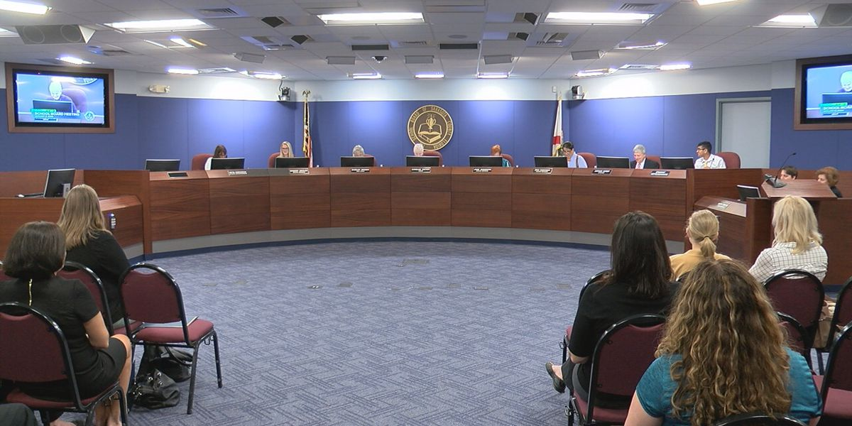 Sarasota County School Board approves policy to allow students to be treated with medical marijuana