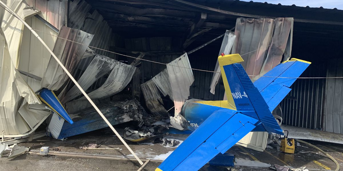 One person injured when plane crashes into hangar in Manatee County