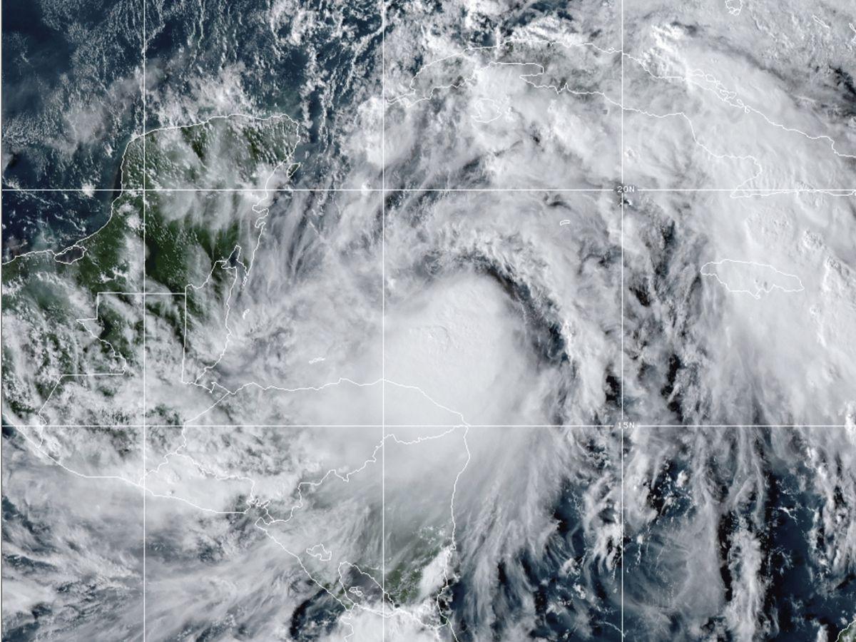 Zeta becomes a hurricane as it nears Yucatan, heading for US