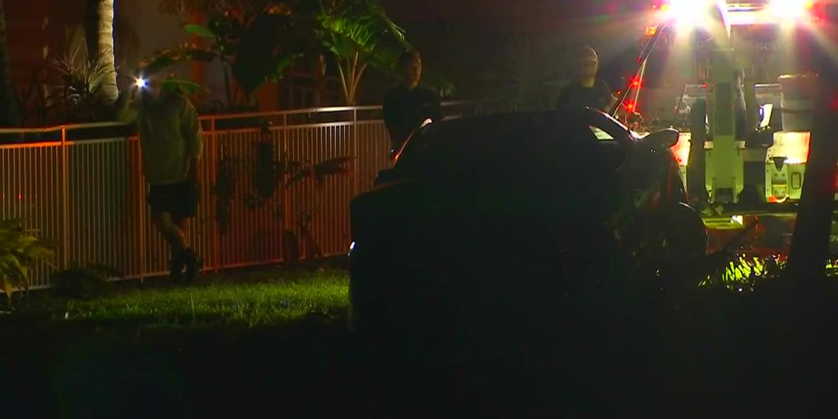 Mother, 5-year-old son found dead in car after it plunges into Estero Bay in Southwest Florida