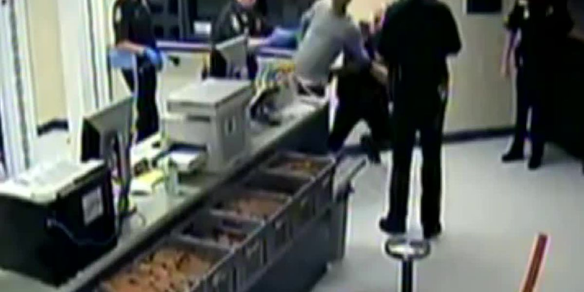 VIDEO: Sarasota County Sheriff's Office sued over alleged excessive force during arrest of homeless man in 2015