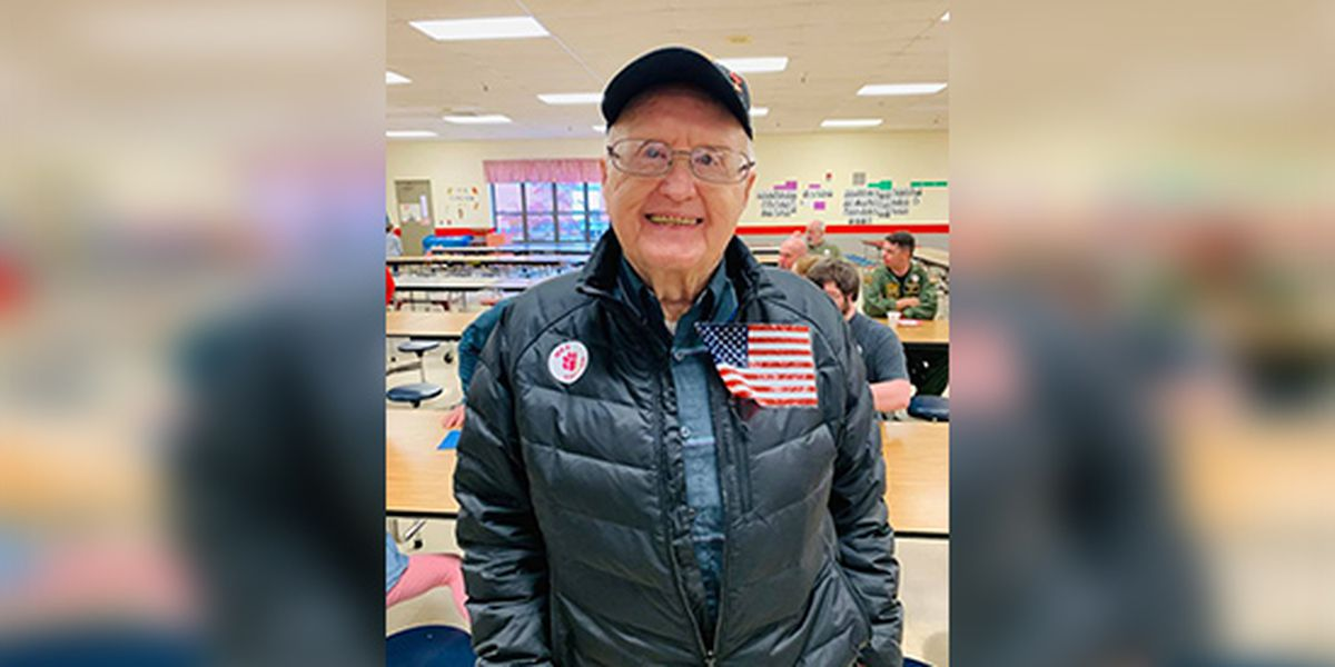 Jewish barista refuses to let WWII veteran pay as a thank you for his service