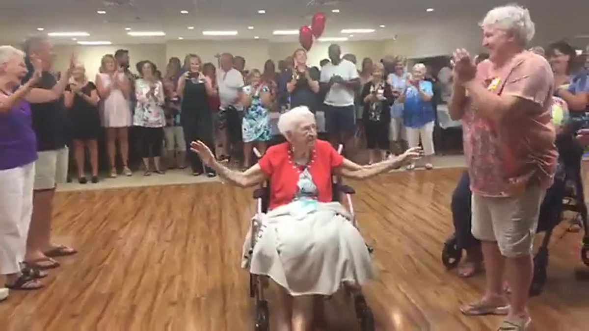 Suncoast resident celebrates 100th birthday with over 200 family members who traveled to see her