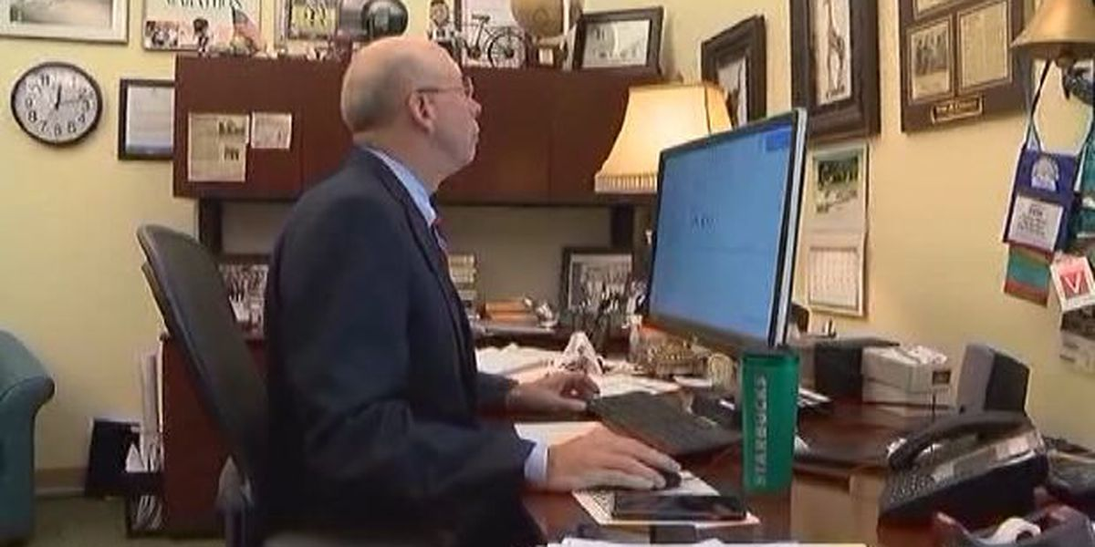 ABC7 at 7 - Sarasota's City Manager turns in 2,500 emails from private email account for court to review