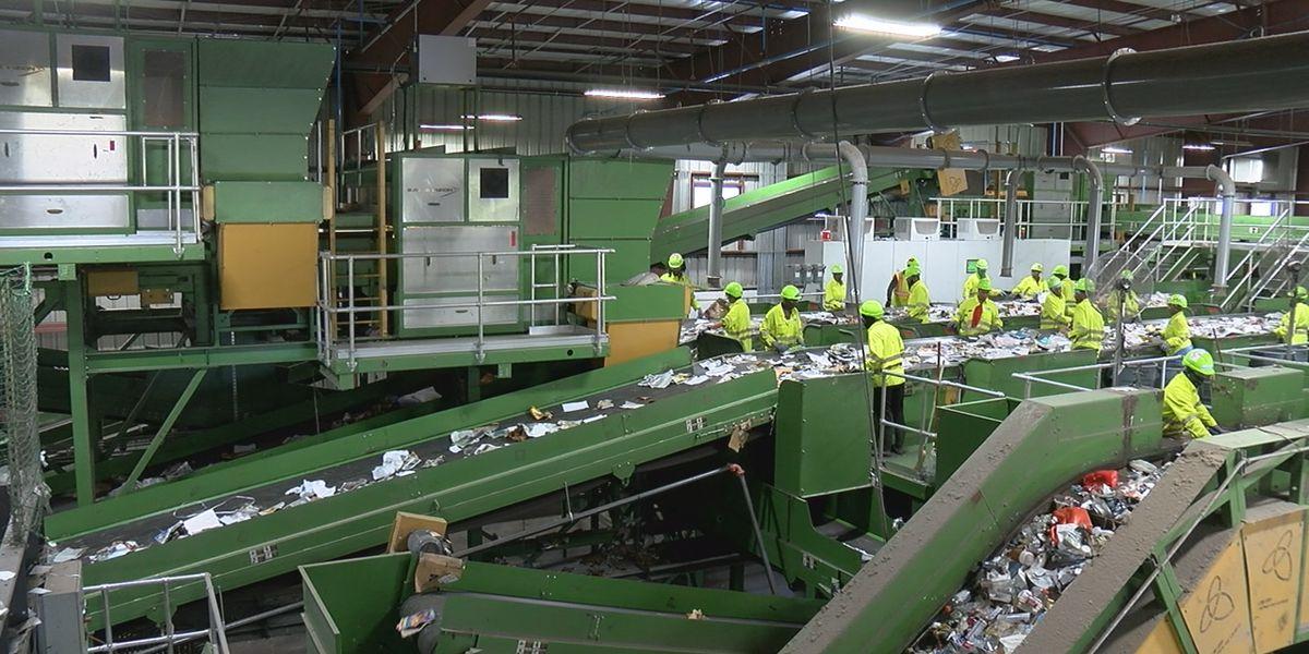 Sarasota recycling facility unveils Florida's first recycling robot