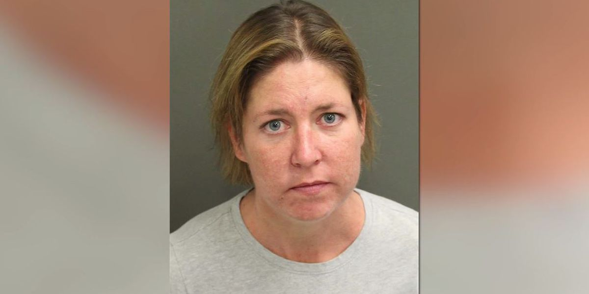 Florida woman accused of zipping boyfriend in suitcase, leaving him to die