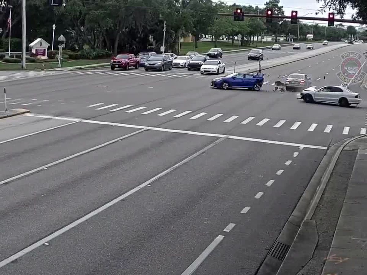 Police: Crash in Sarasota caught on video after driver didn't stop at a red light