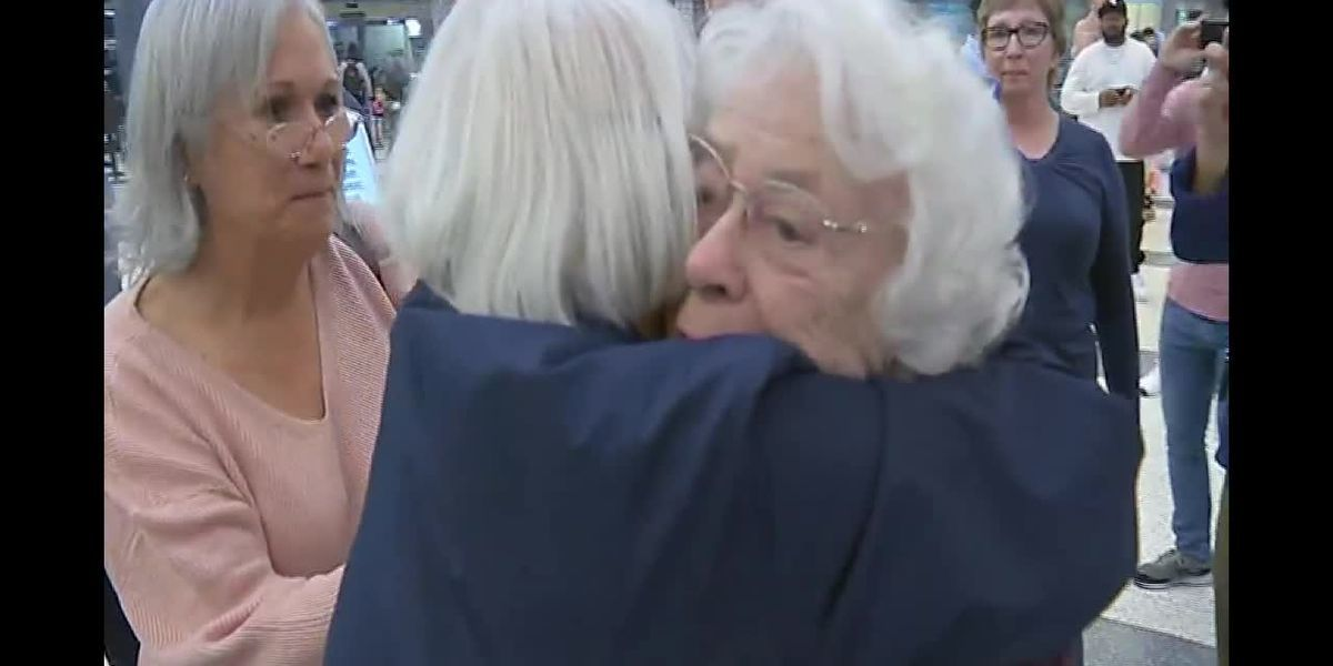 93-year-old Houston grandmother reunites with long-lost siblings from U.K.