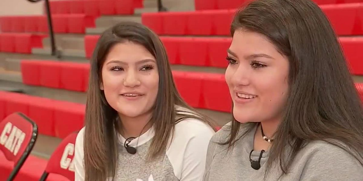 So much twinning: Six sets of twins play on TX high school basketball team.