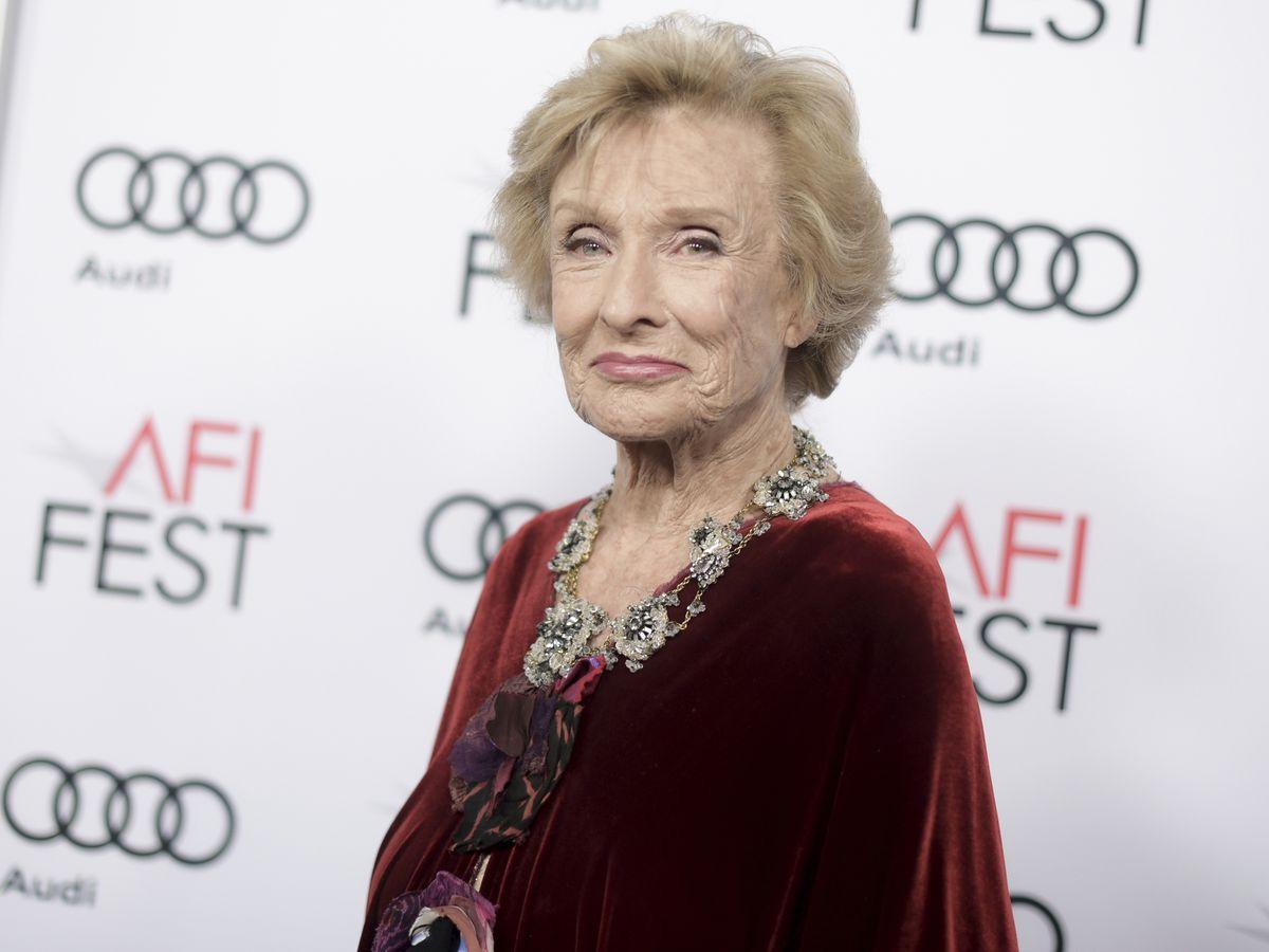 Oscar-winning, 'irreplaceable' Cloris Leachman dies at 94