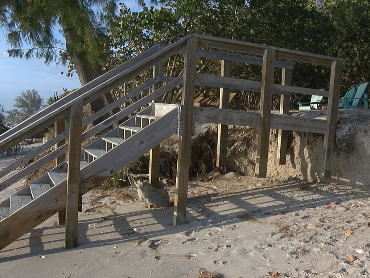 Beach erosion concerning residents who live on Casey Key Road