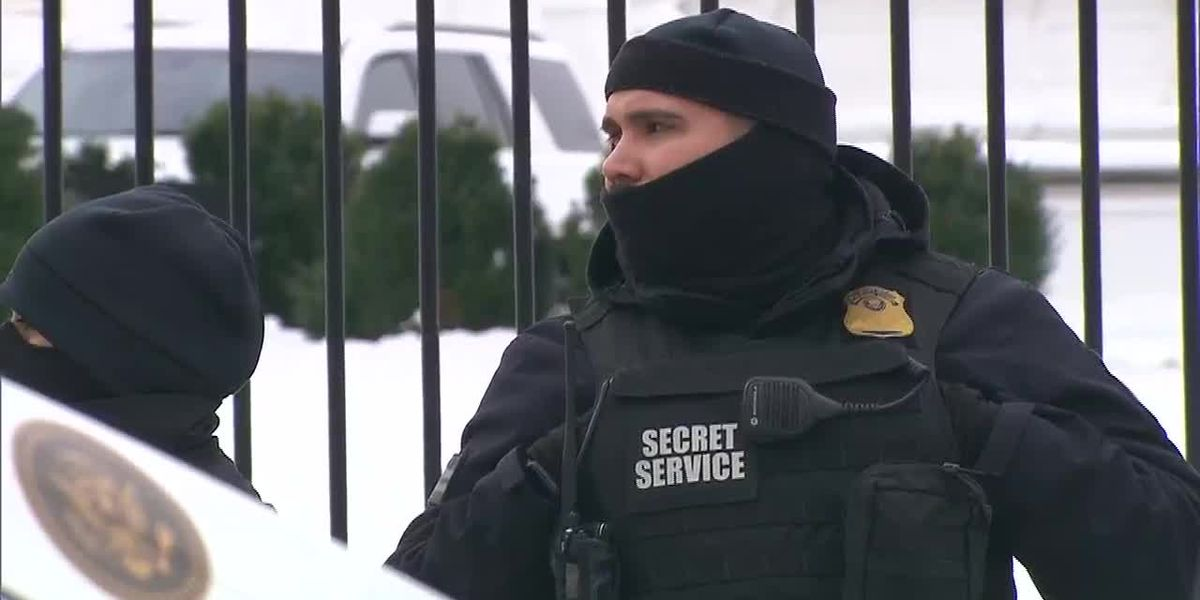 Amid shutdown, Secret Service agents absorb travel expenses while working without pay