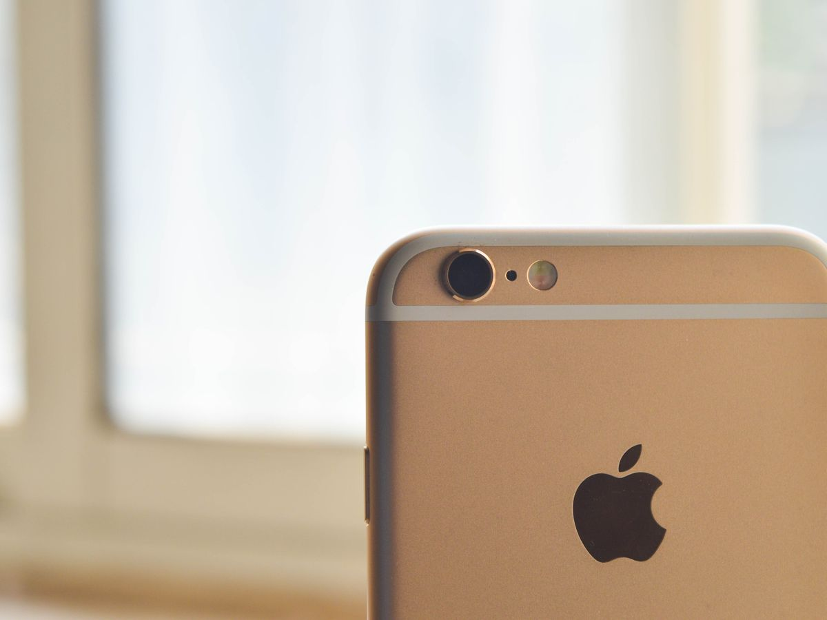 Man who sold kidney to buy iPhone now bedridden after organ failure