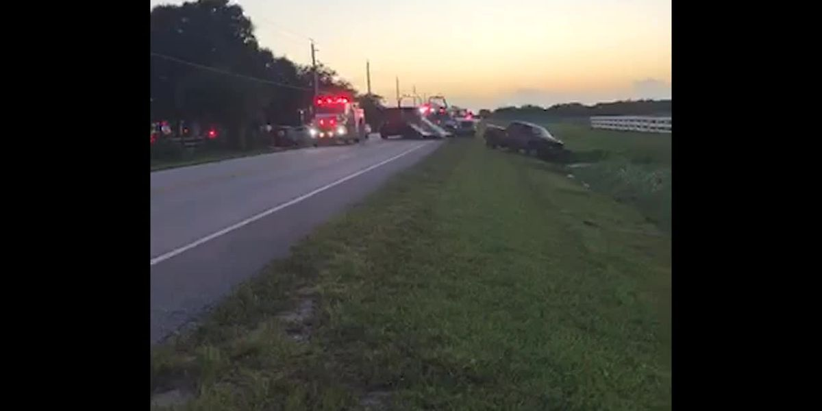 Fruitville closed in both directions following crash at Oakford Road in Sarasota
