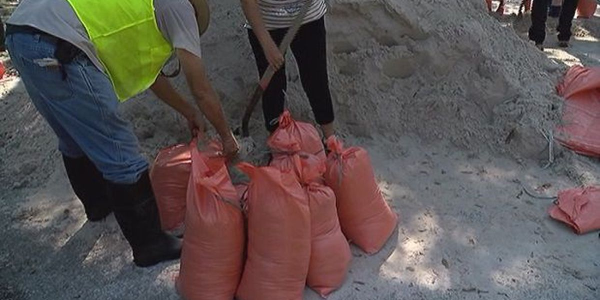 Holmes Beach offering sandbags to residents