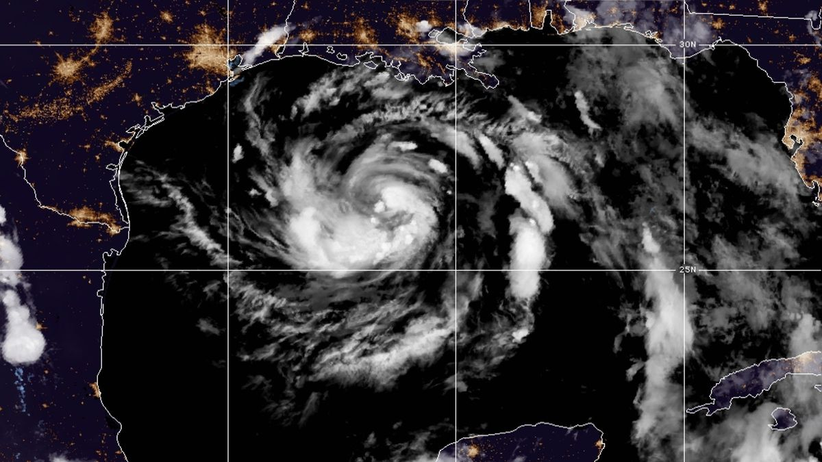 Hanna expected to hit southern Texas coast as a hurricane
